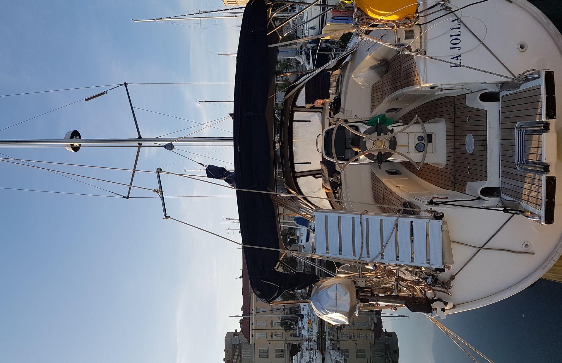 https://media.insailing.com/boat/la-jolla/image_1581495519245.jpg