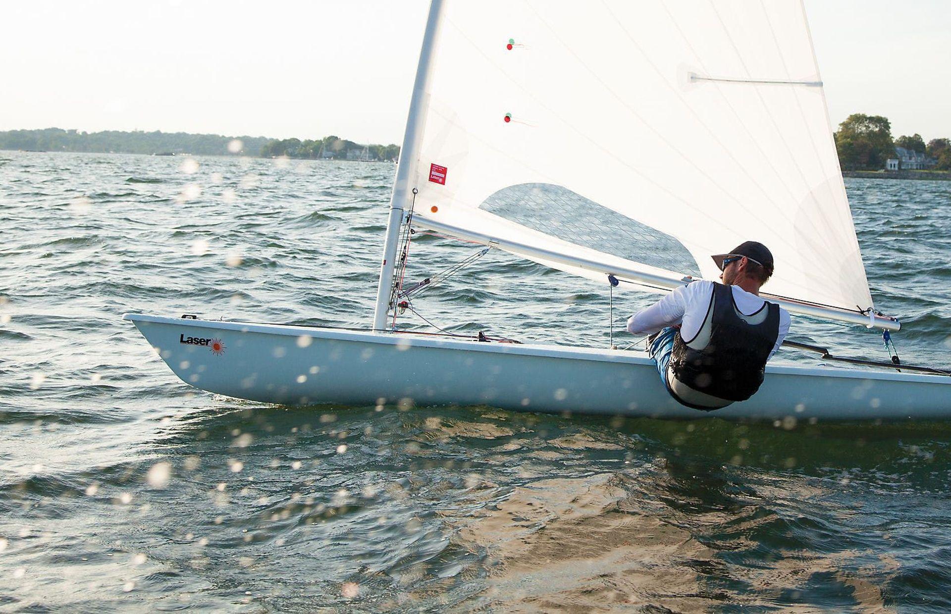 https://media.insailing.com/boat/laser/image_1590498660356.jpg