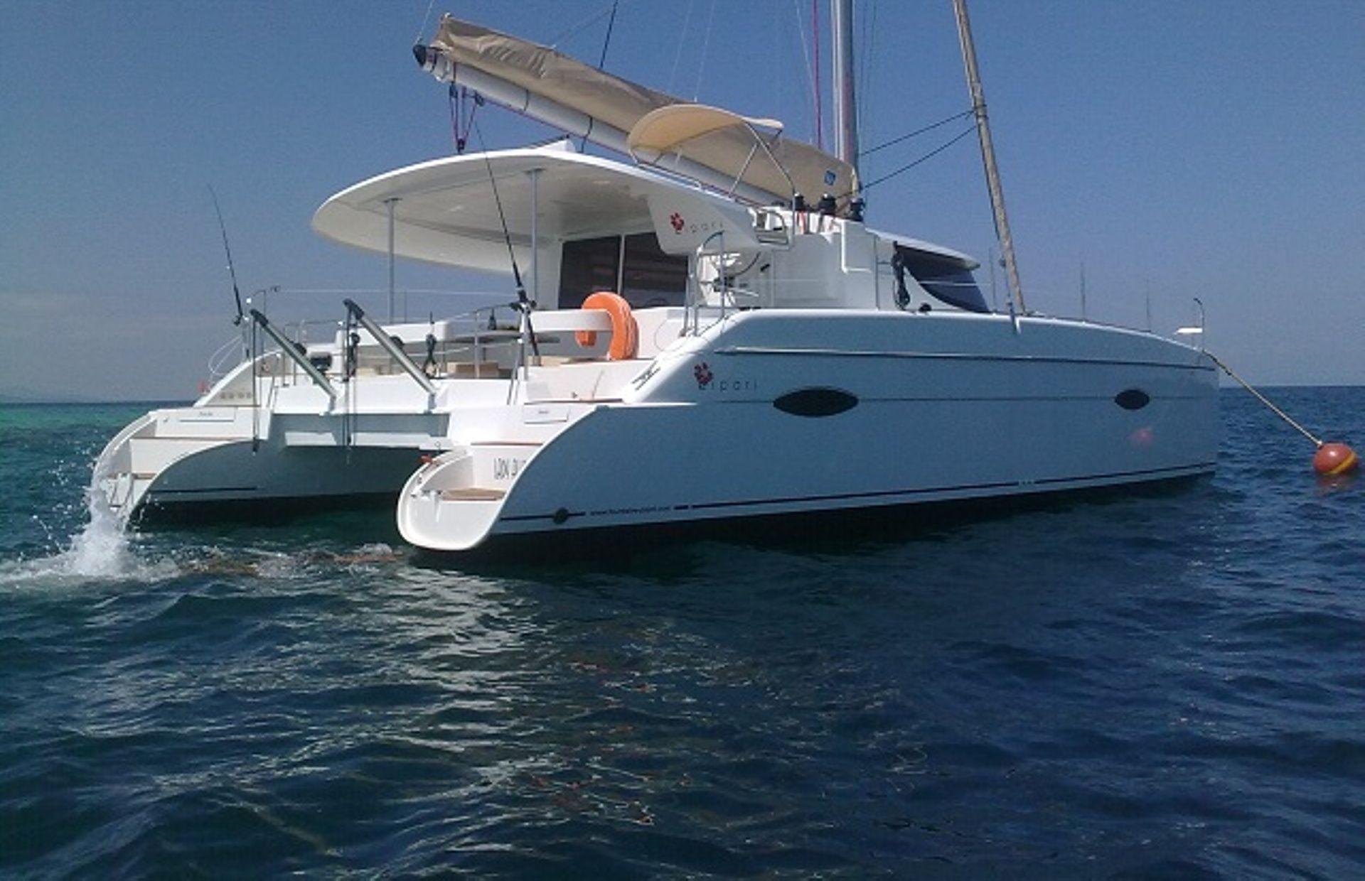 https://media.insailing.com/boat/lippari-41/image_1564487901789.jpg