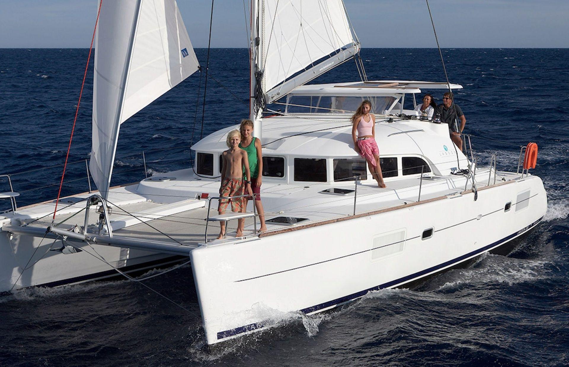 https://media.insailing.com/boat/lucky-seven-2/image_1595573517568.jpg