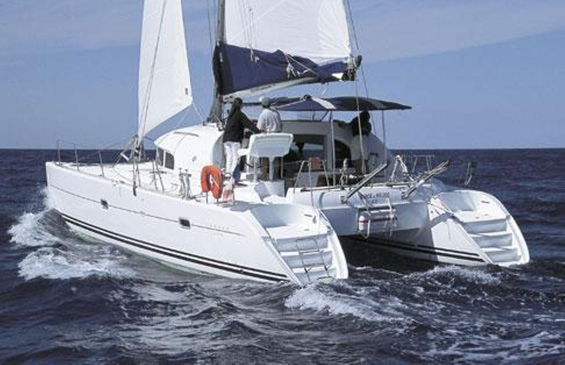 https://media.insailing.com/boat/lucky-seven/image_1562700924690.jpg