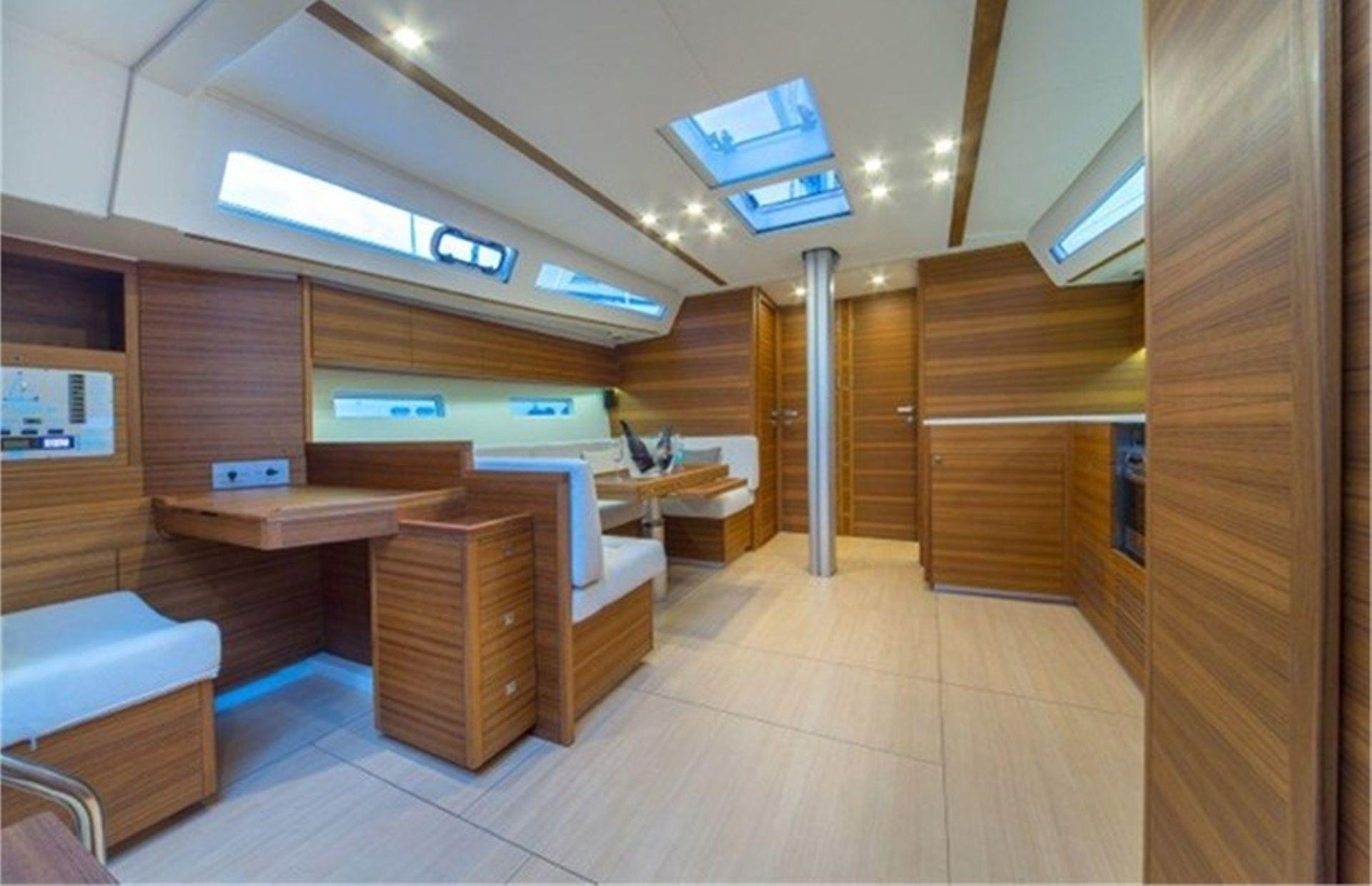 https://media.insailing.com/boat/more-55/image_1565164797912.jpg