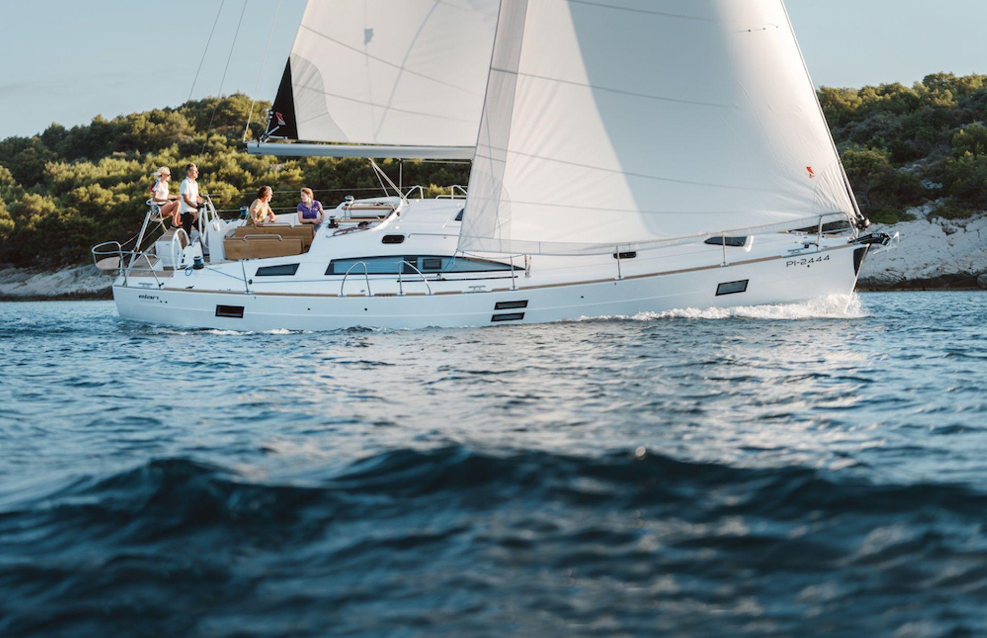https://media.insailing.com/boat/na/image_1576506696042.jpg