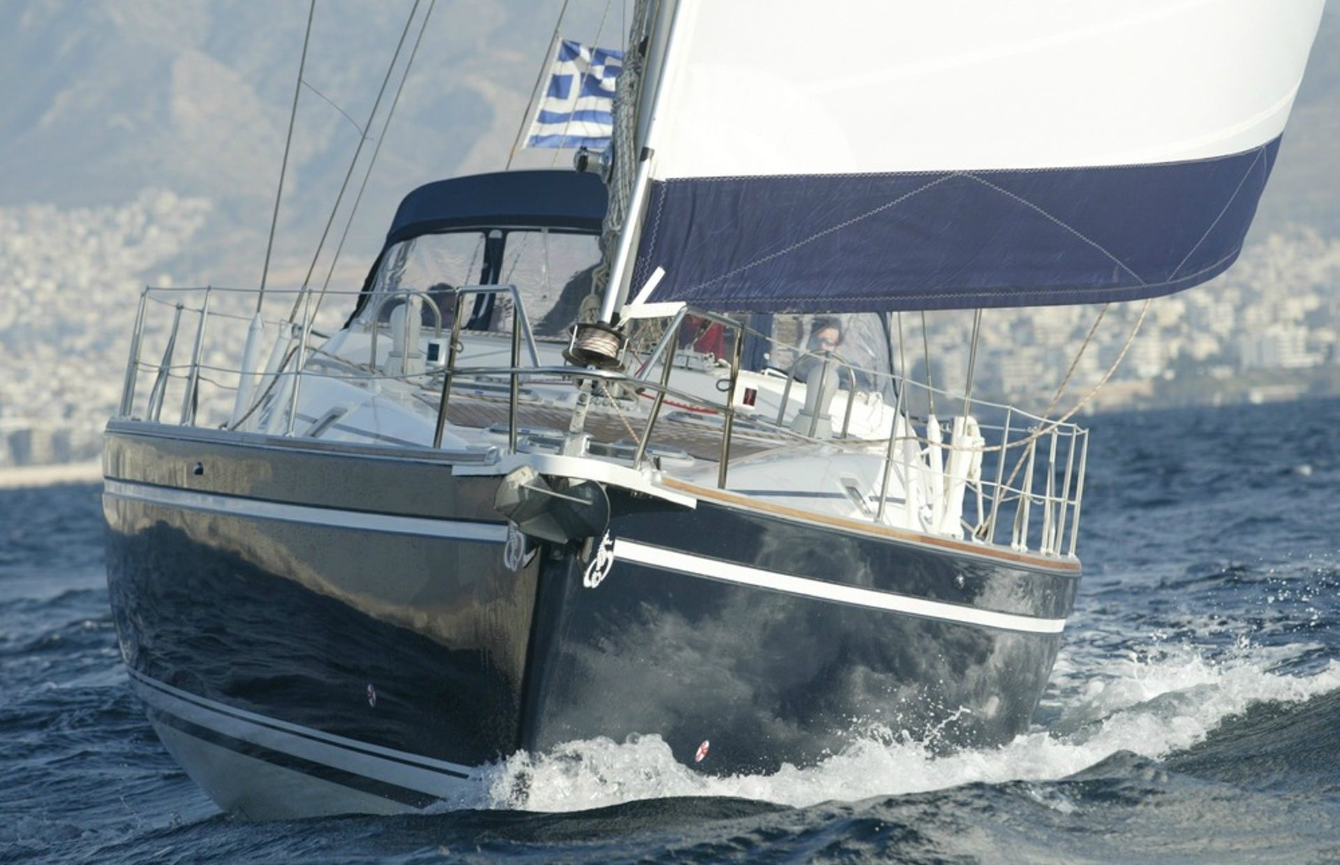 https://media.insailing.com/boat/ocean-star-51/image_1581411801036.jpg