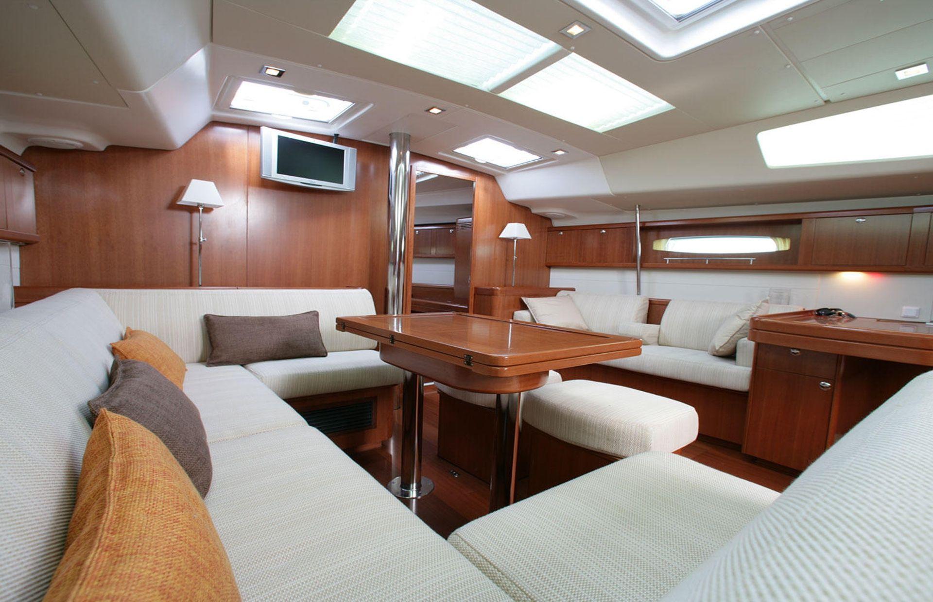 https://media.insailing.com/boat/oceanis-50-family/image_1571039822655.jpg