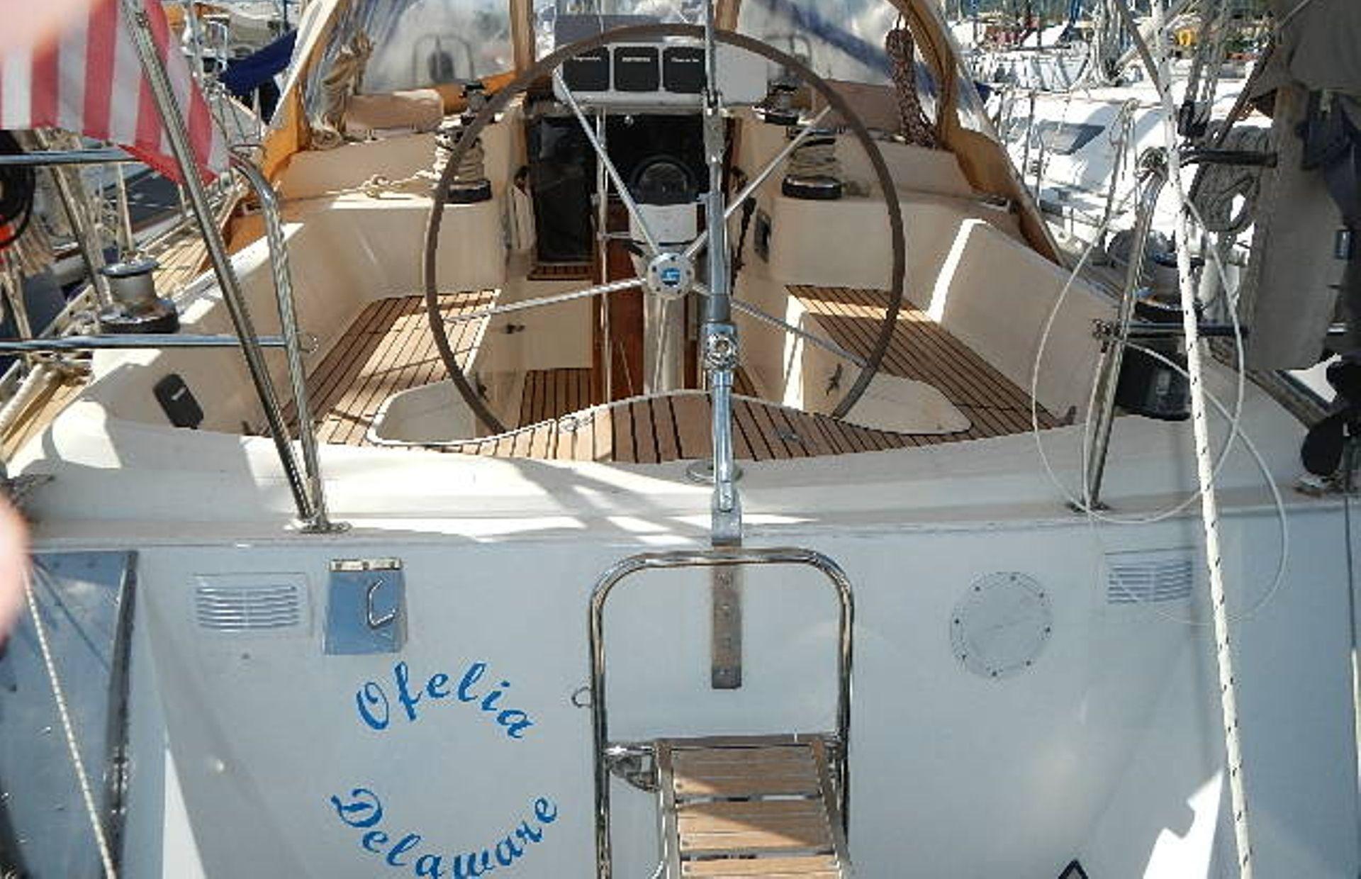 https://media.insailing.com/boat/ofelia/image_1569580195939.jpg