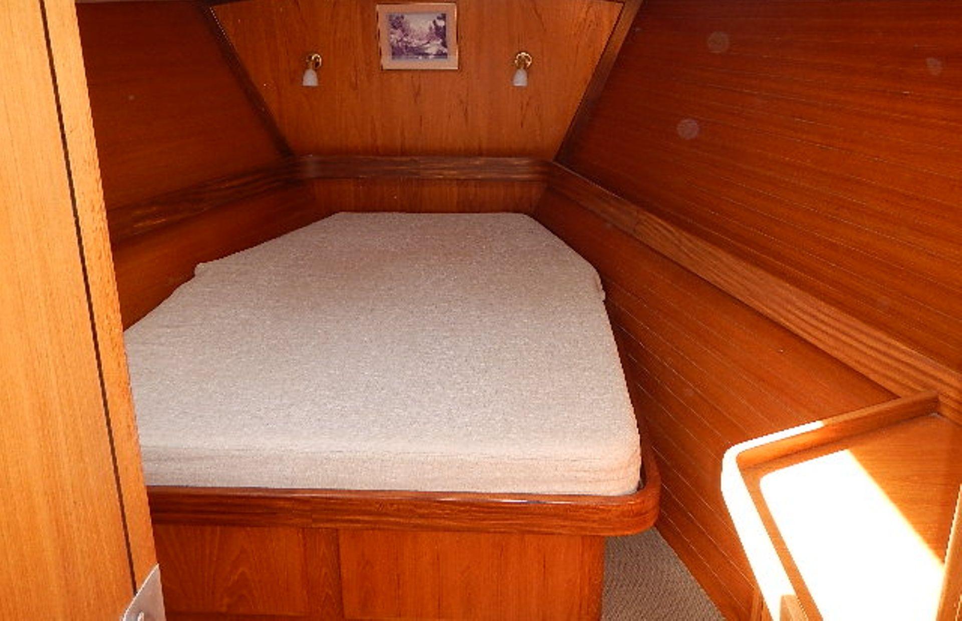 https://media.insailing.com/boat/ofelia/image_1569580195941.jpg