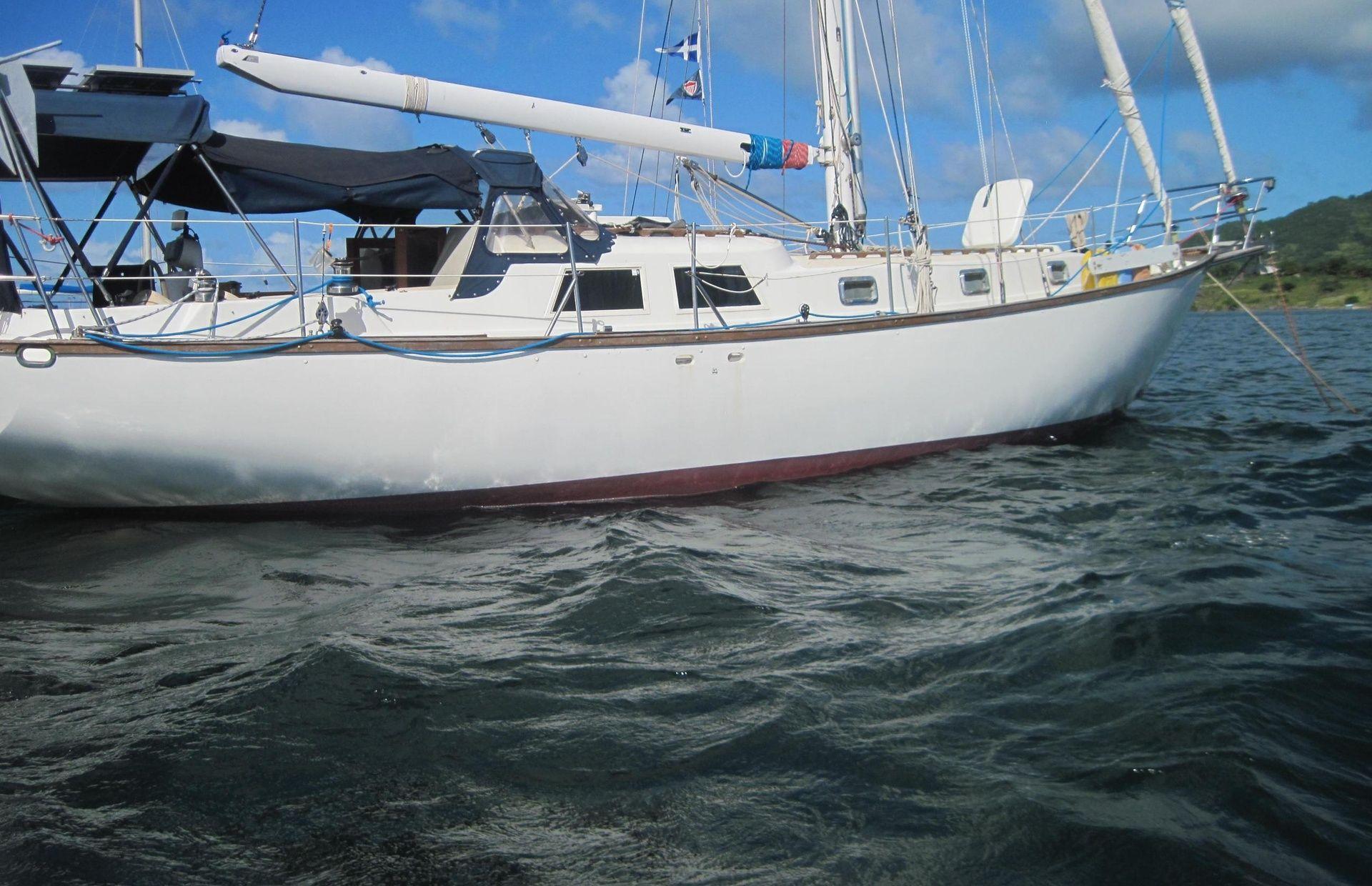 https://media.insailing.com/boat/oia/image_1582274991181.jpg