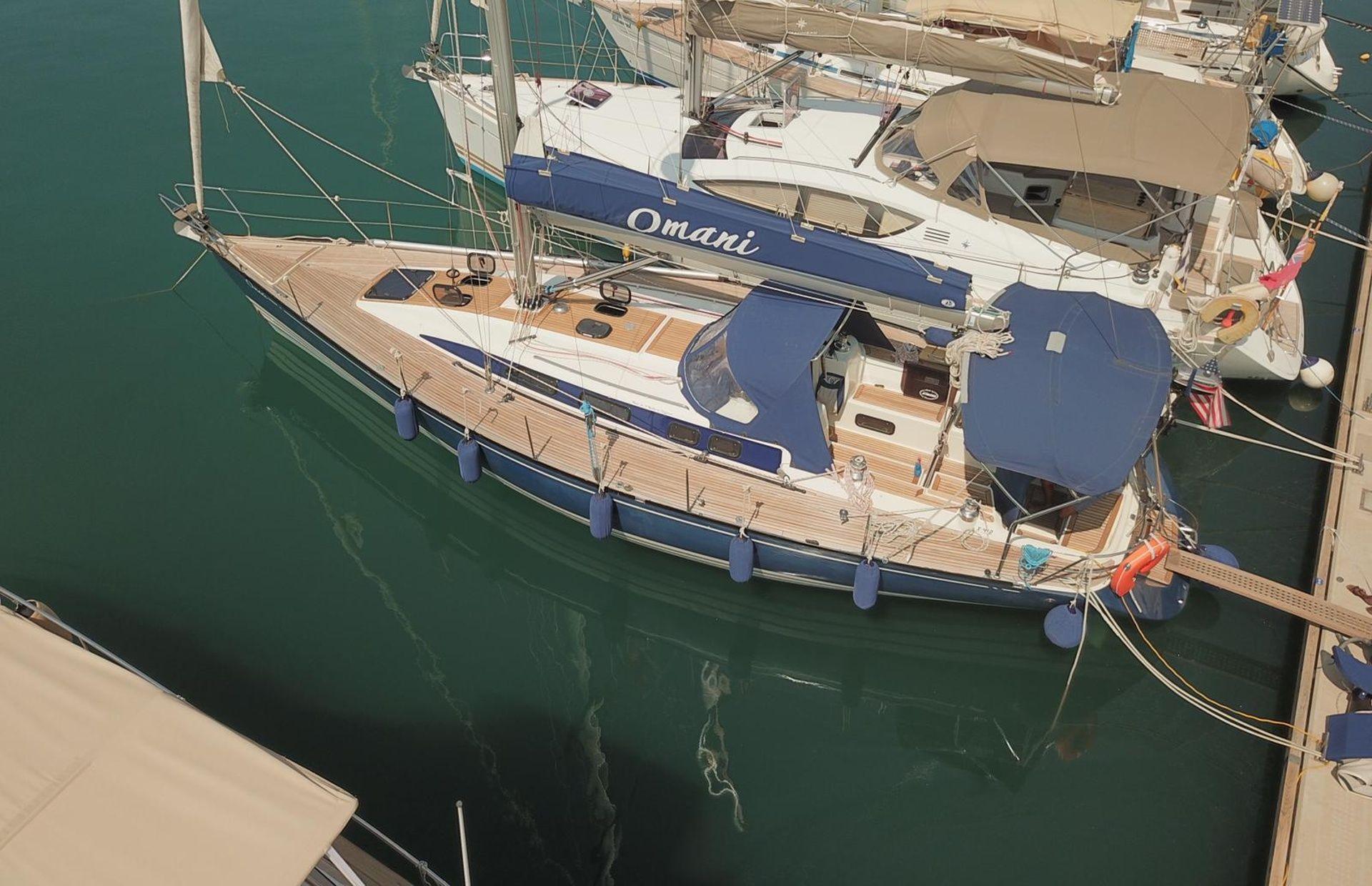https://media.insailing.com/boat/omani/image_1581533173382.jpg