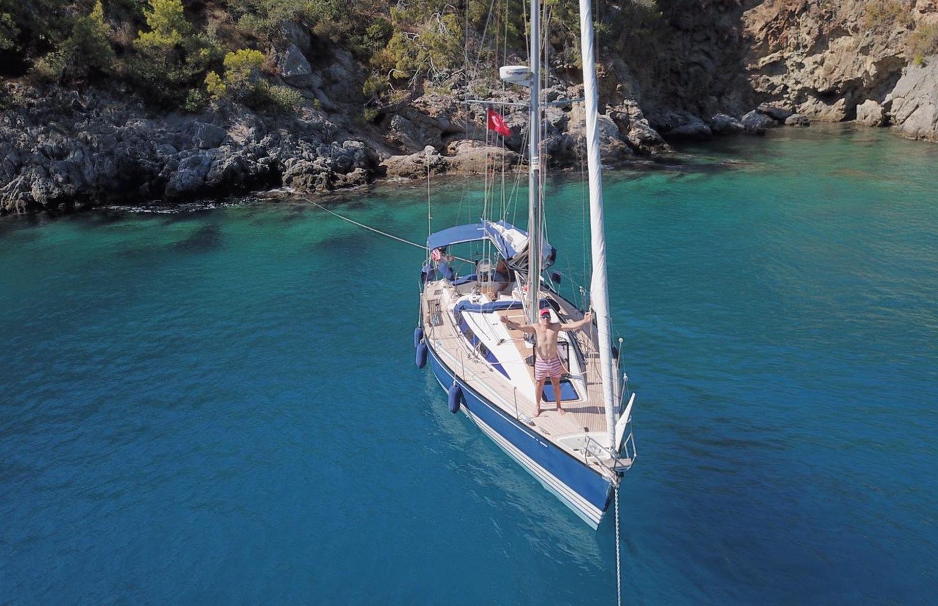 https://media.insailing.com/boat/omani/image_1581533173384.jpg
