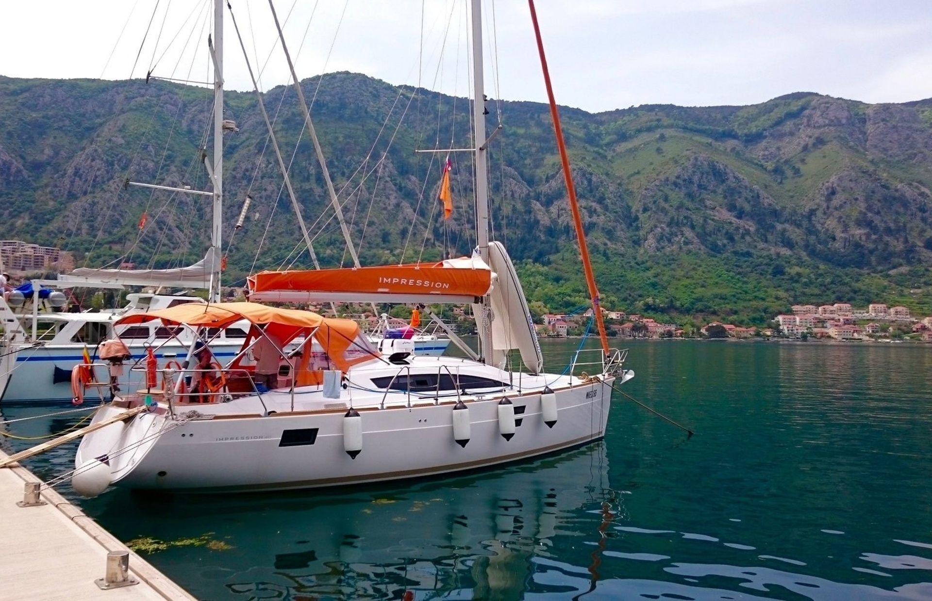 https://media.insailing.com/boat/orange-first/image_1578384126306.jpg