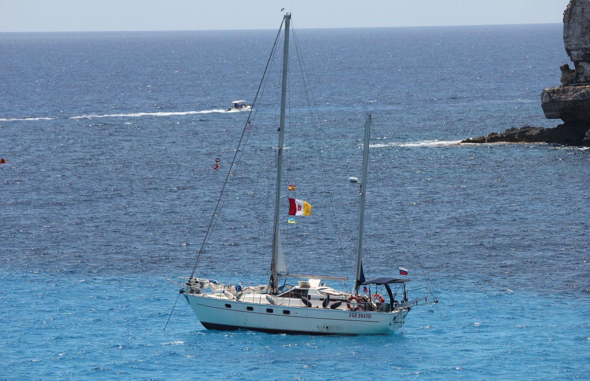https://media.insailing.com/boat/paola-iii/image_1582209583515.jpg