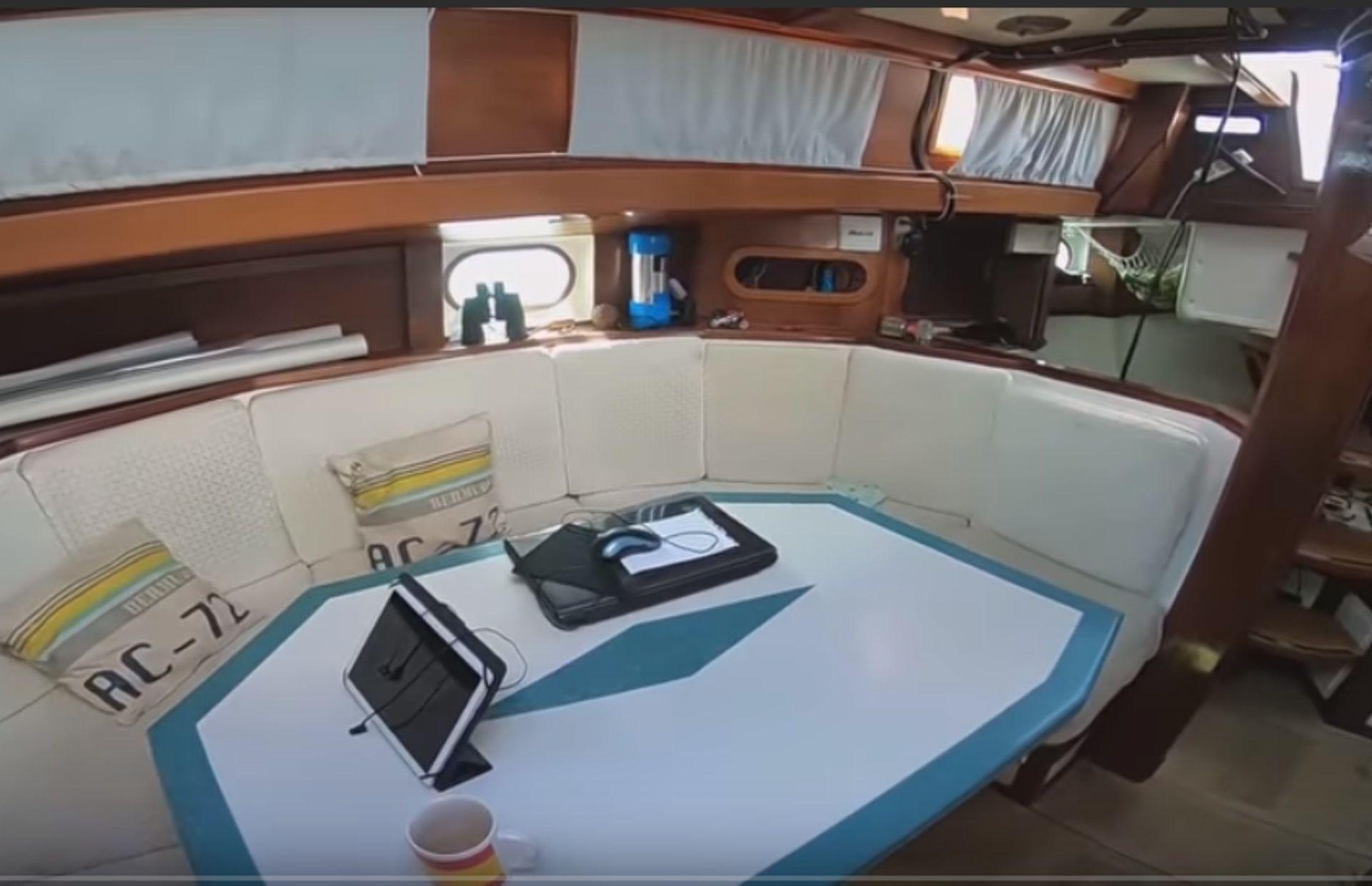 https://media.insailing.com/boat/parusnaya-yahta/image_1573462934983.jpg