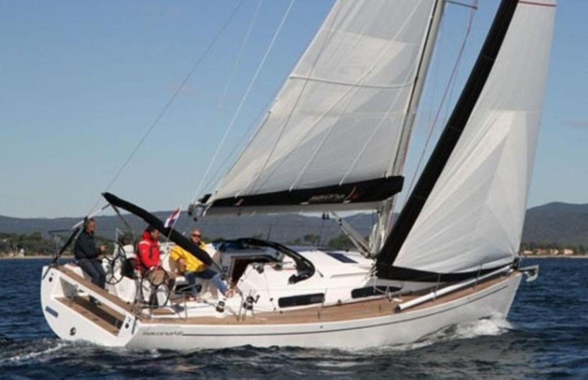 https://media.insailing.com/boat/salona/image_1565179599609.jpg