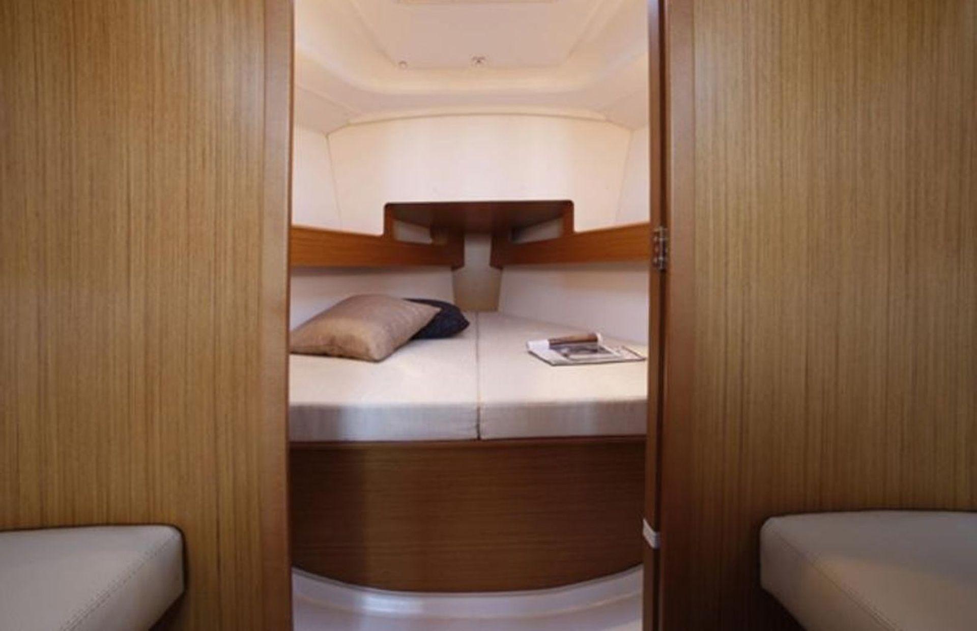 https://media.insailing.com/boat/sun-odyssey-451/image_1569703951335.jpg