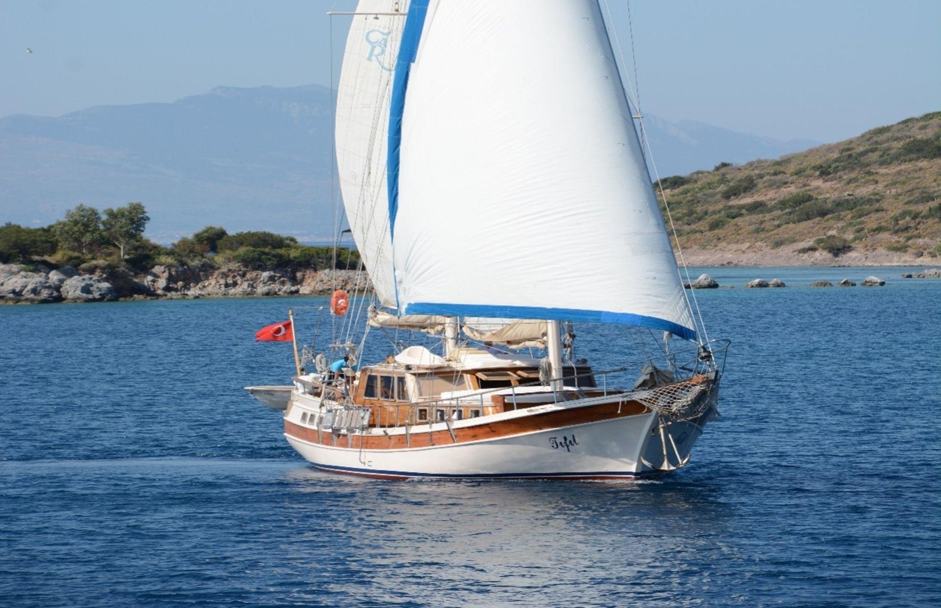 https://media.insailing.com/boat/tifil/image_1570087560168.jpg