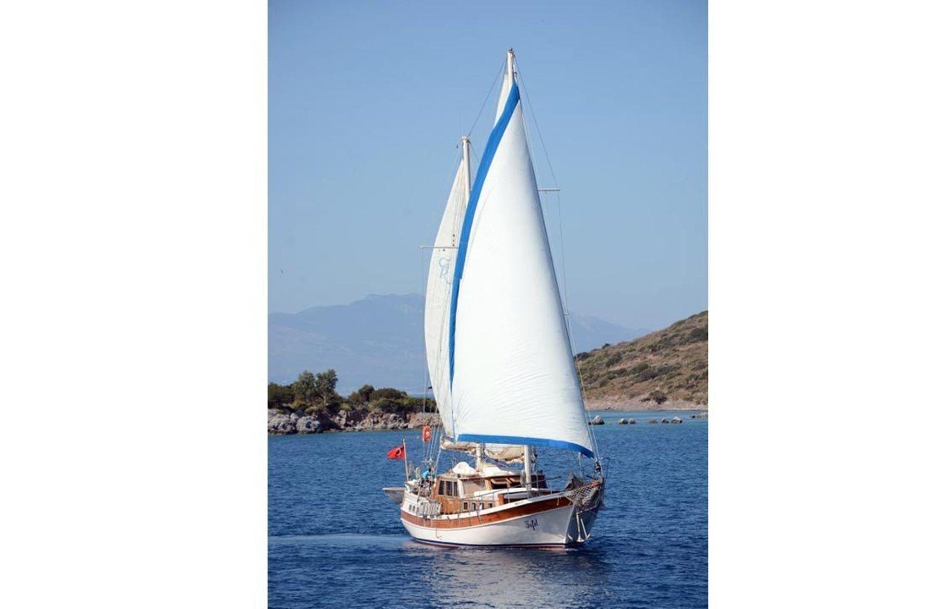 https://media.insailing.com/boat/tifil/image_1570087560173.jpg