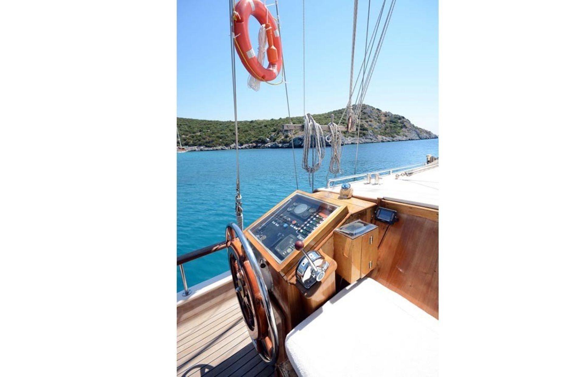 https://media.insailing.com/boat/tifil/image_1570087560176.jpg