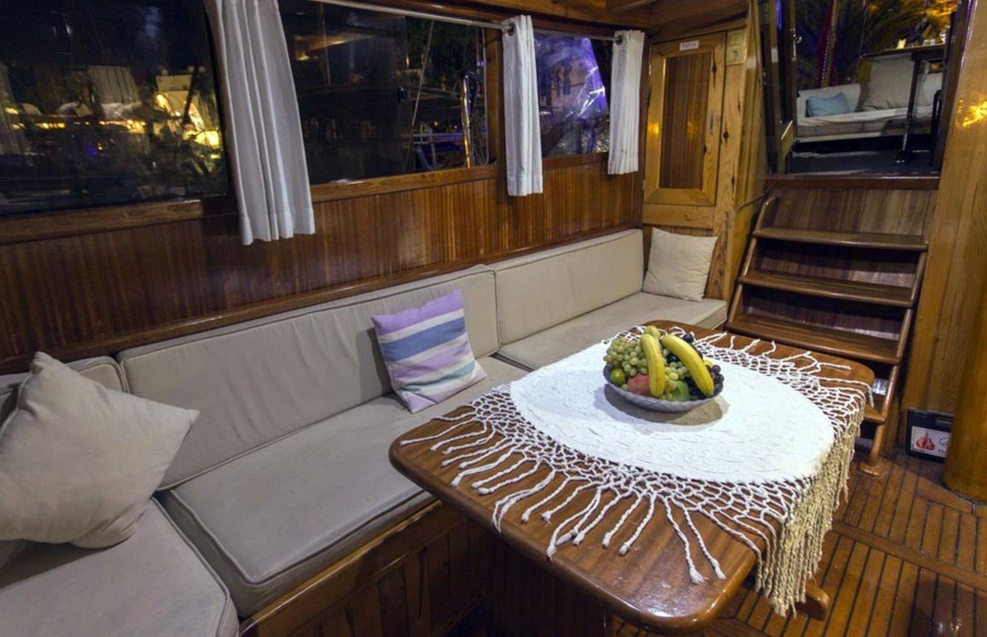 https://media.insailing.com/boat/tifil/image_1570087560182.jpg