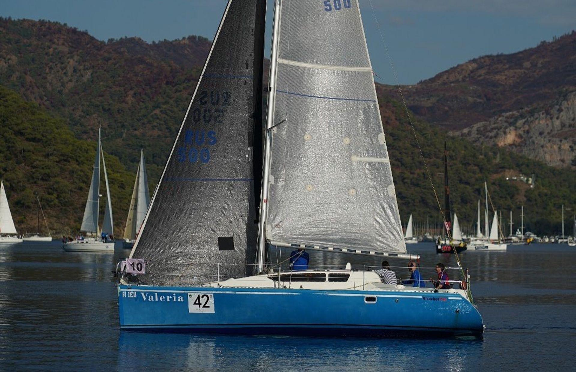 https://media.insailing.com/boat/valeria/image_1583496701401.jpg