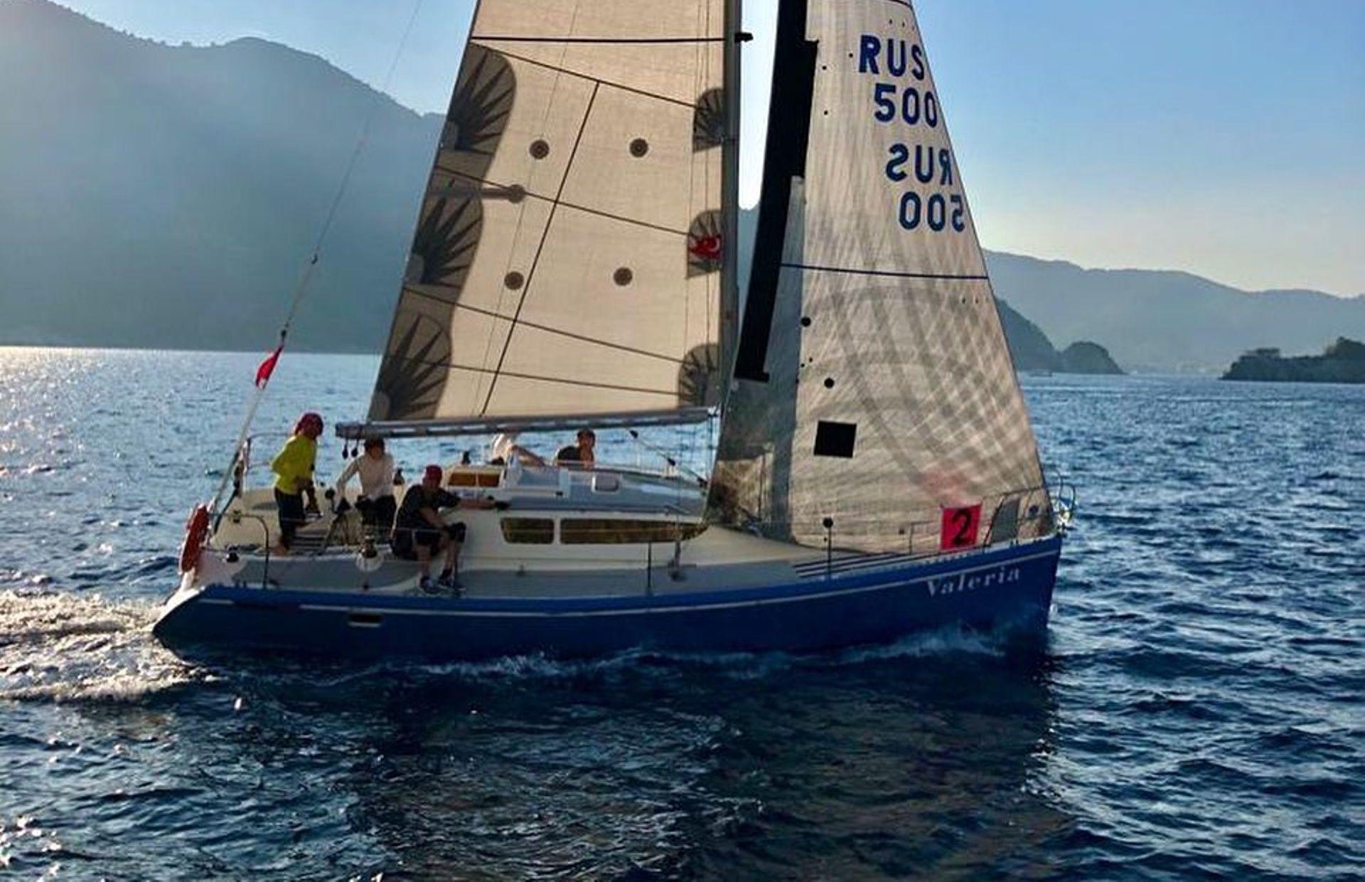 https://media.insailing.com/boat/valeria/image_1583496701404.jpg
