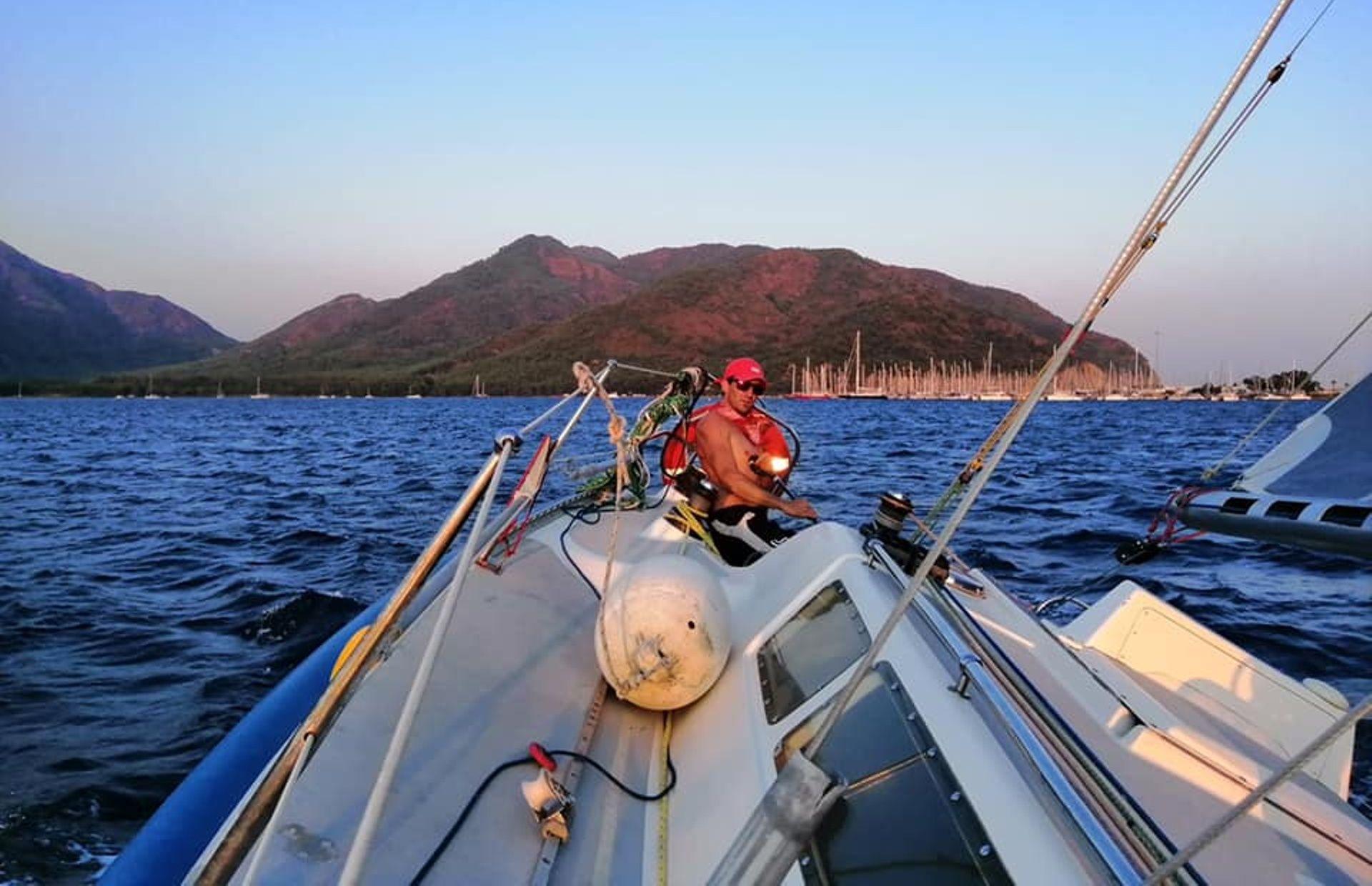 https://media.insailing.com/boat/valeria/image_1583496701408.jpg