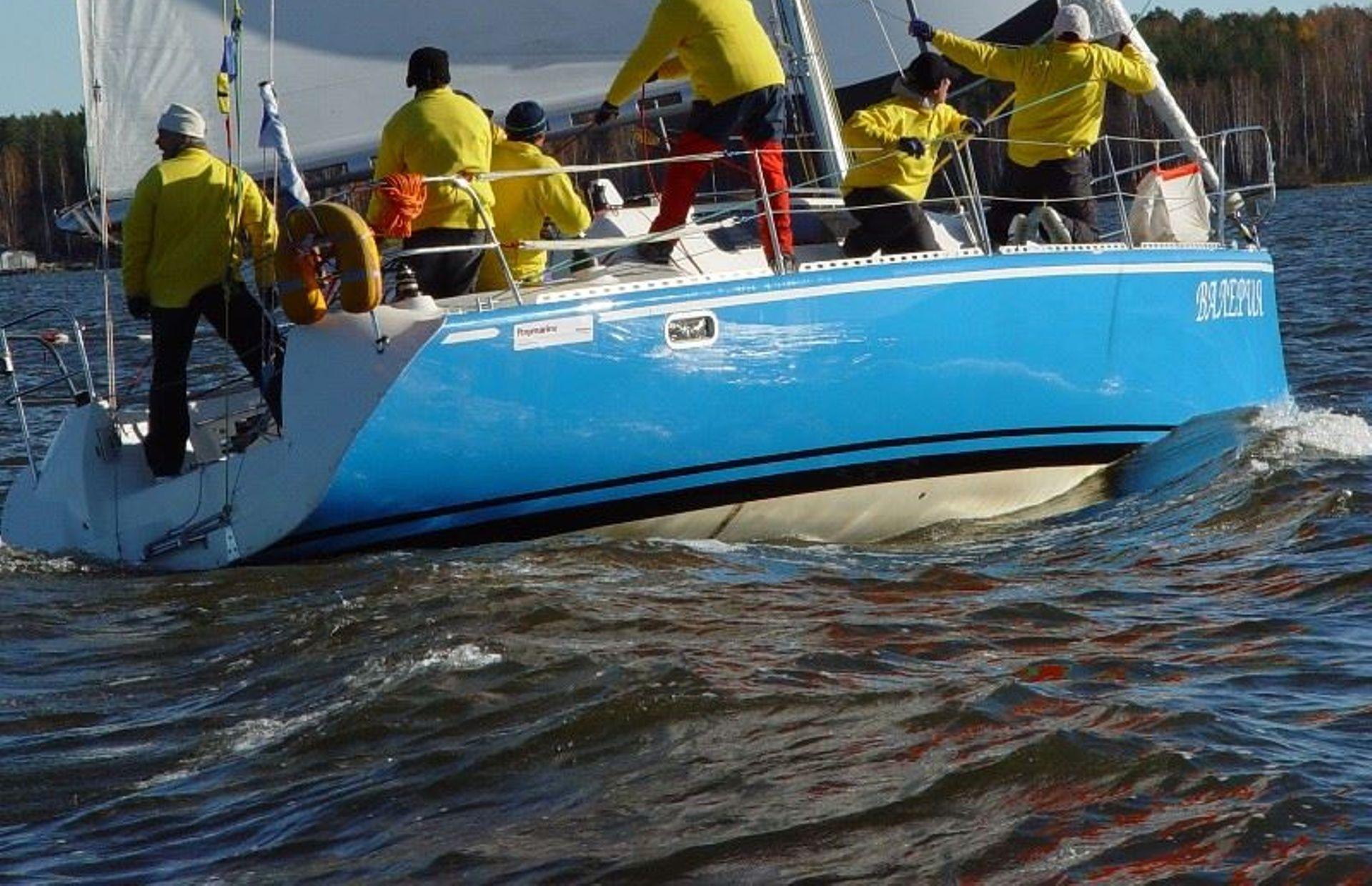 https://media.insailing.com/boat/valeria/image_1583496701409.jpg