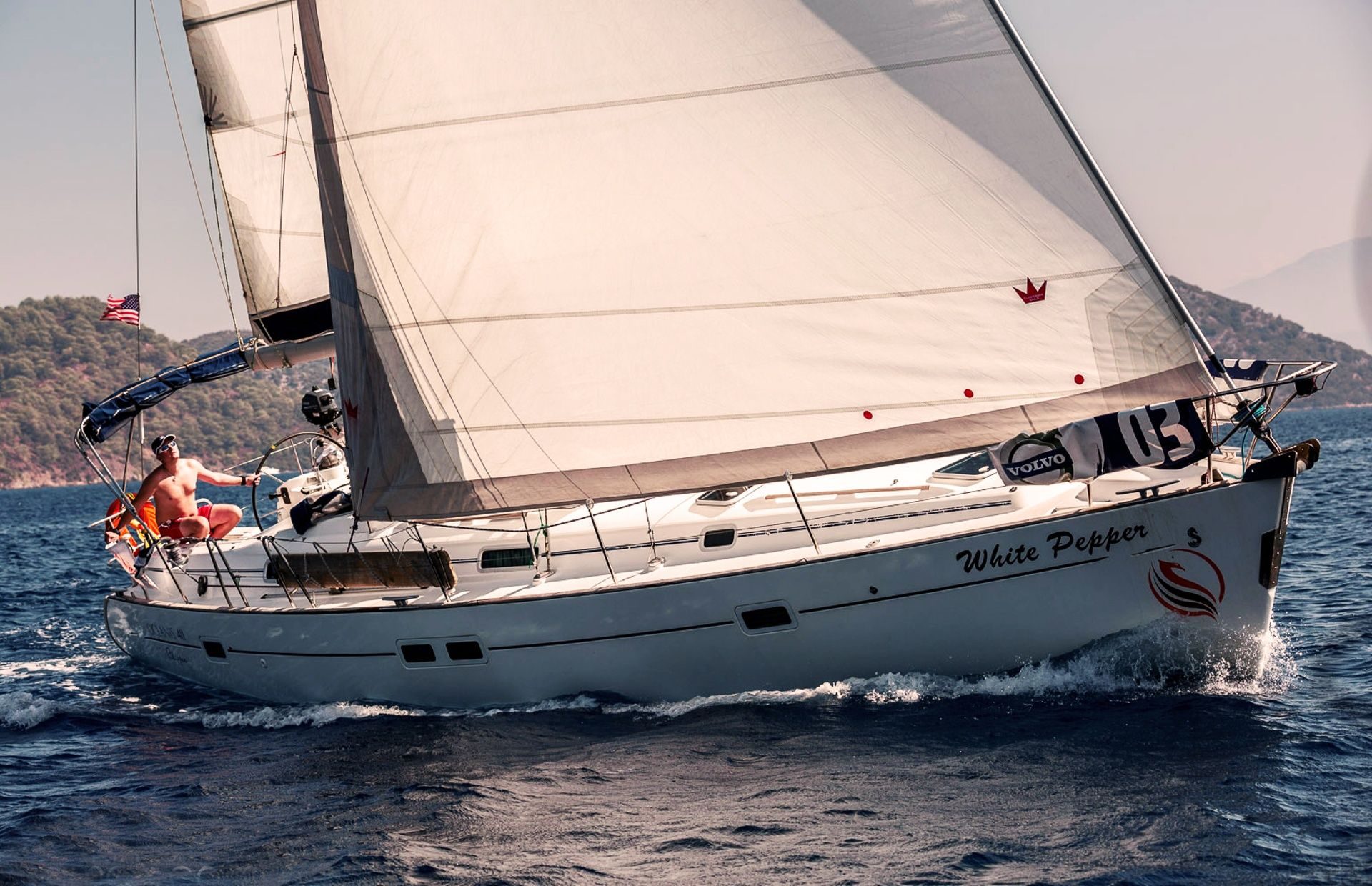 https://media.insailing.com/boat/white-pepper/image_1578498797124.jpg