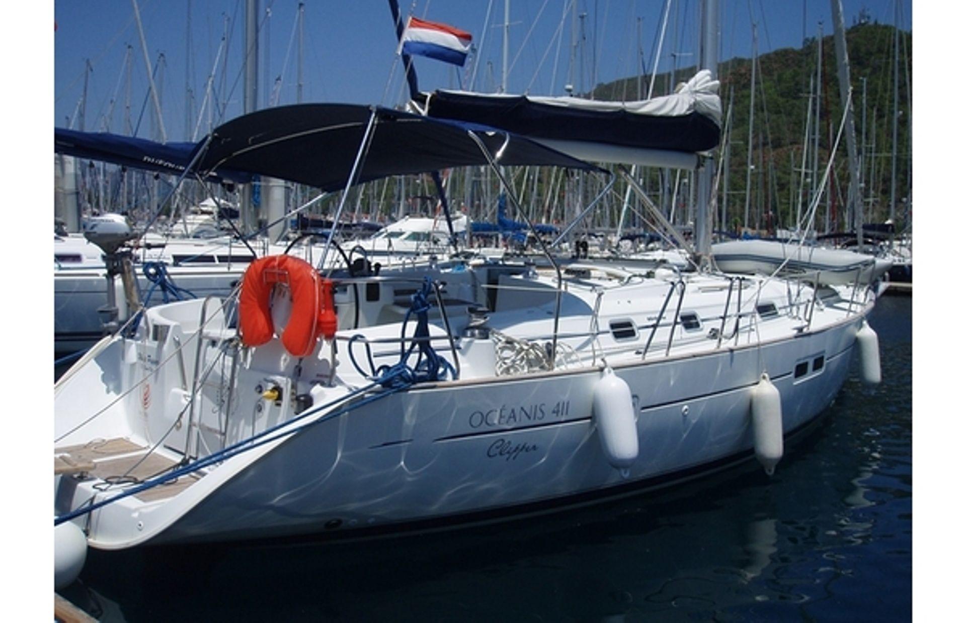 https://media.insailing.com/boat/white-pepper/image_1578498797125.jpg