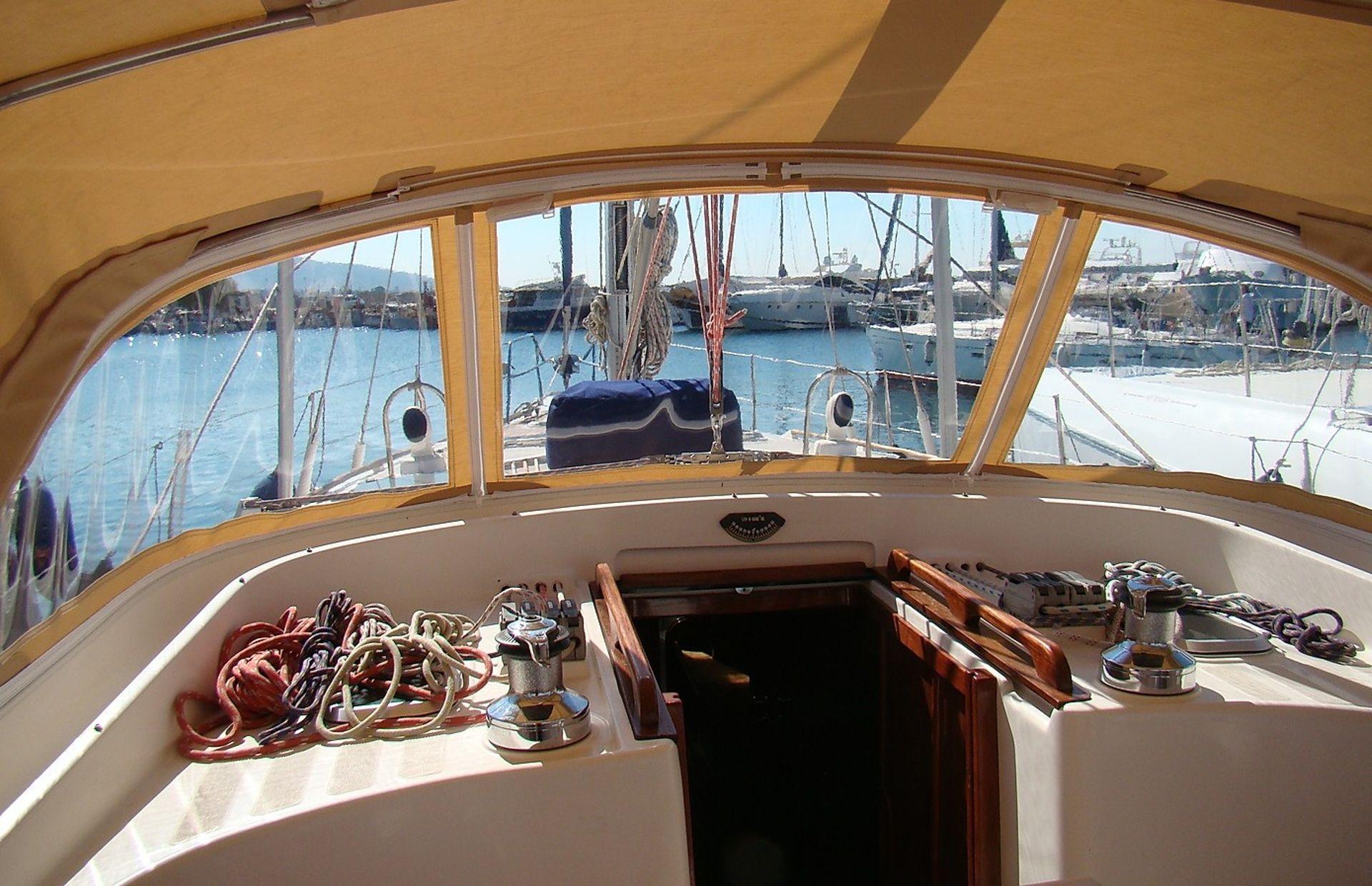 https://media.insailing.com/boat/yahta-anastasiya/image_1580888435474.jpg