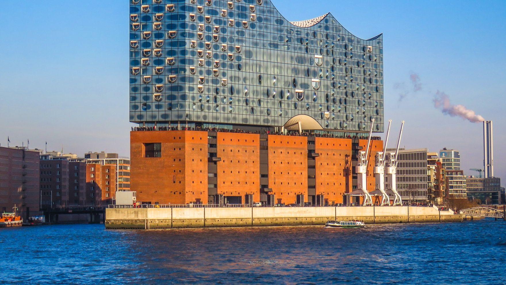 """Blankenese"" sailing trip from Hamburg"