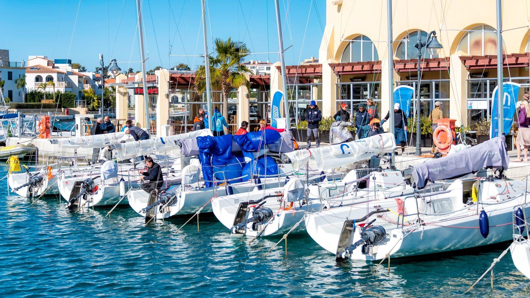 Day sailing — Fareast 28R