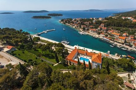 https://media.insailing.com/event/horvatiya-avgust-v-adriatike-2208---2908/image_1583445265430.jpg