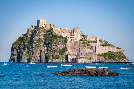 https://media.insailing.com/event/italian-vacation-from-rome-to-naples/image_1601367316321.jpg
