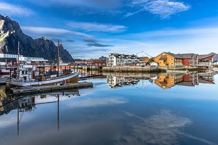 https://media.insailing.com/event/kruiz-po-lofotenskim-ostrovam-norvegii-2/image_1572337225903.jpg