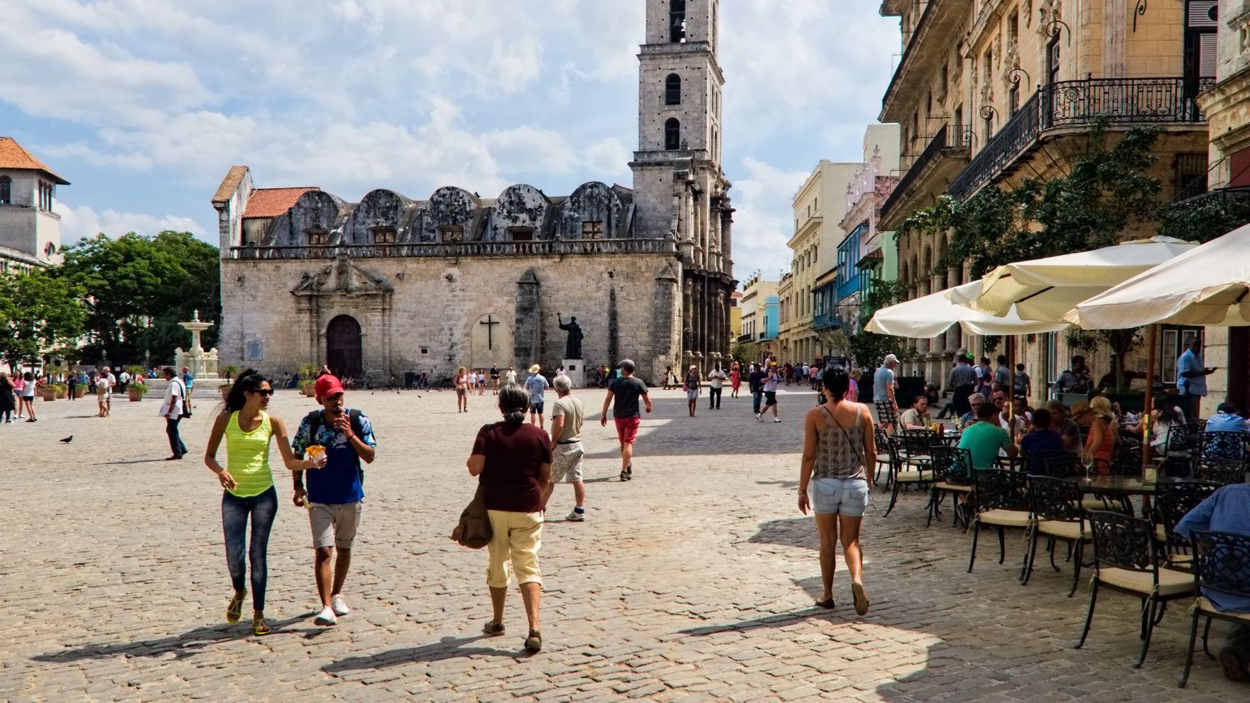 Avoyage around Cuba