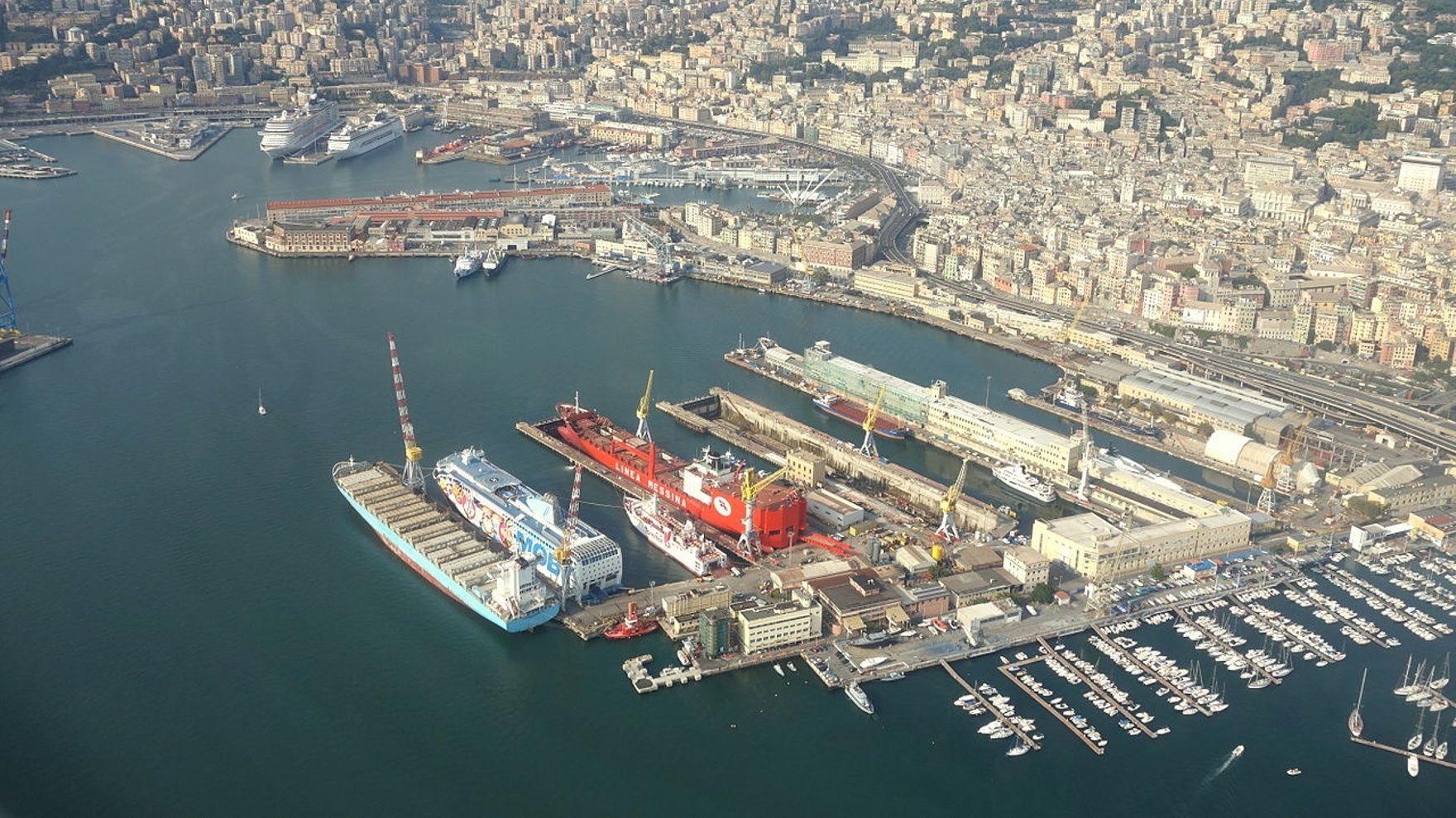 Mile building Genoa - Corfu