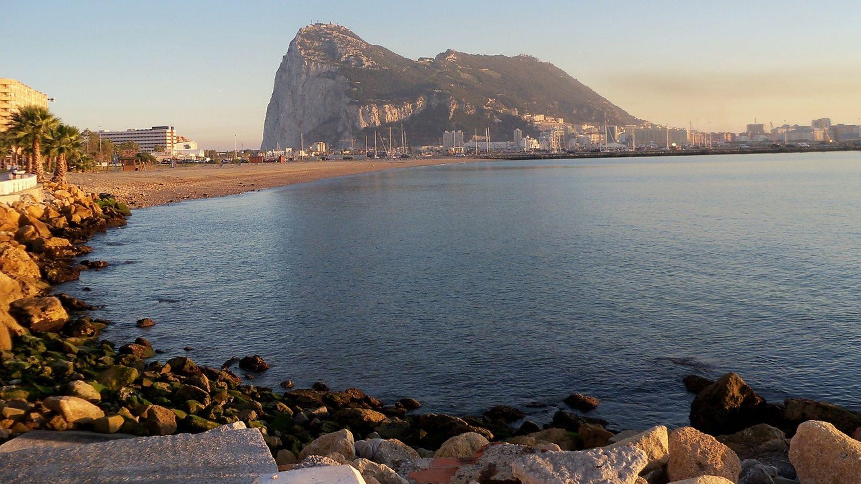 Переход из Великобритании через Гибралтар в Сент-Тропе.