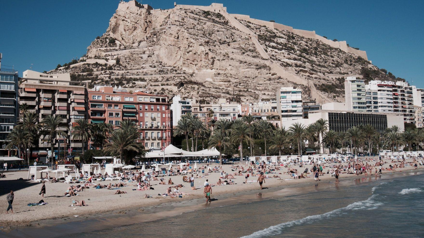 Mile building Alicante — Cagliari