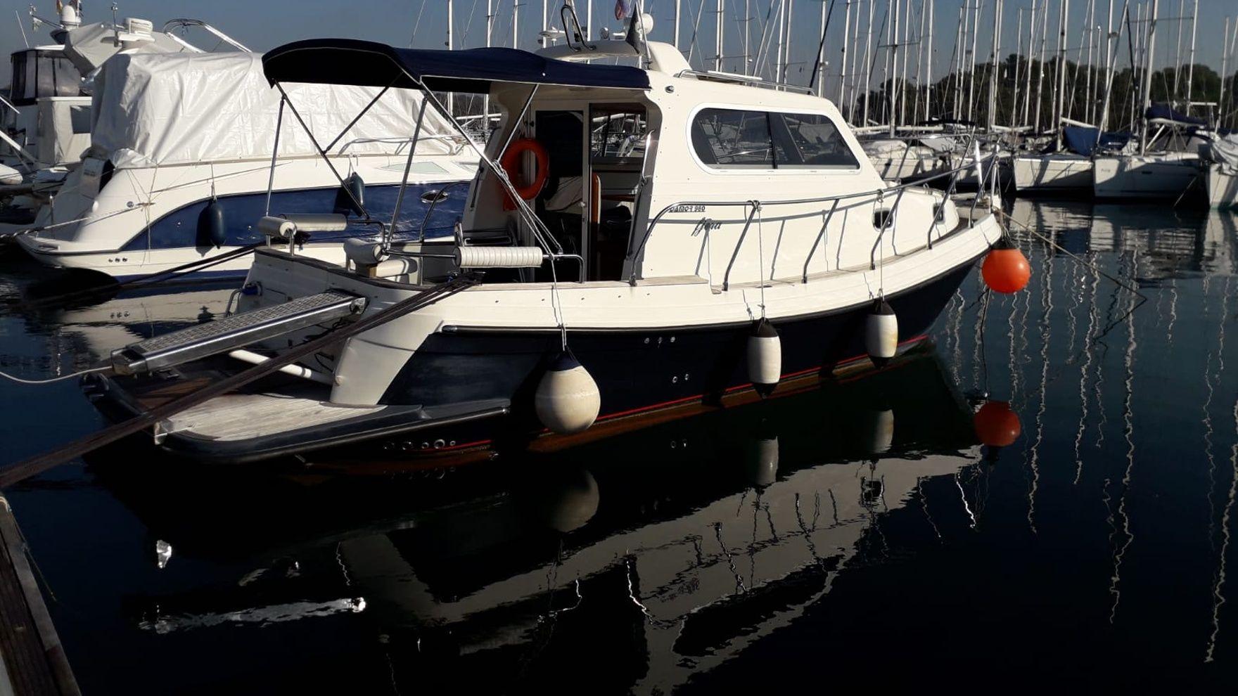 Practical IYT Bareboat Skipper Sail +Power course in Croatia