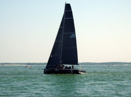 https://media.insailing.com/event/round-the-island-race-2020/image_1594990978703.jpg