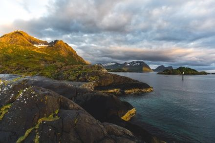 https://media.insailing.com/event/sailing-expedition-to-the-lofoten-islands-week-3/image_1597938266030.jpg