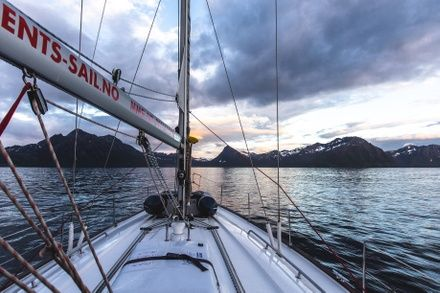 https://media.insailing.com/event/sailing-expedition-to-the-lofoten-islands-week-3/image_1597938266033.jpg
