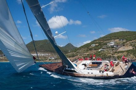 https://media.insailing.com/event/st.-maarten-heineken-regatta/image_1571744506194.jpg