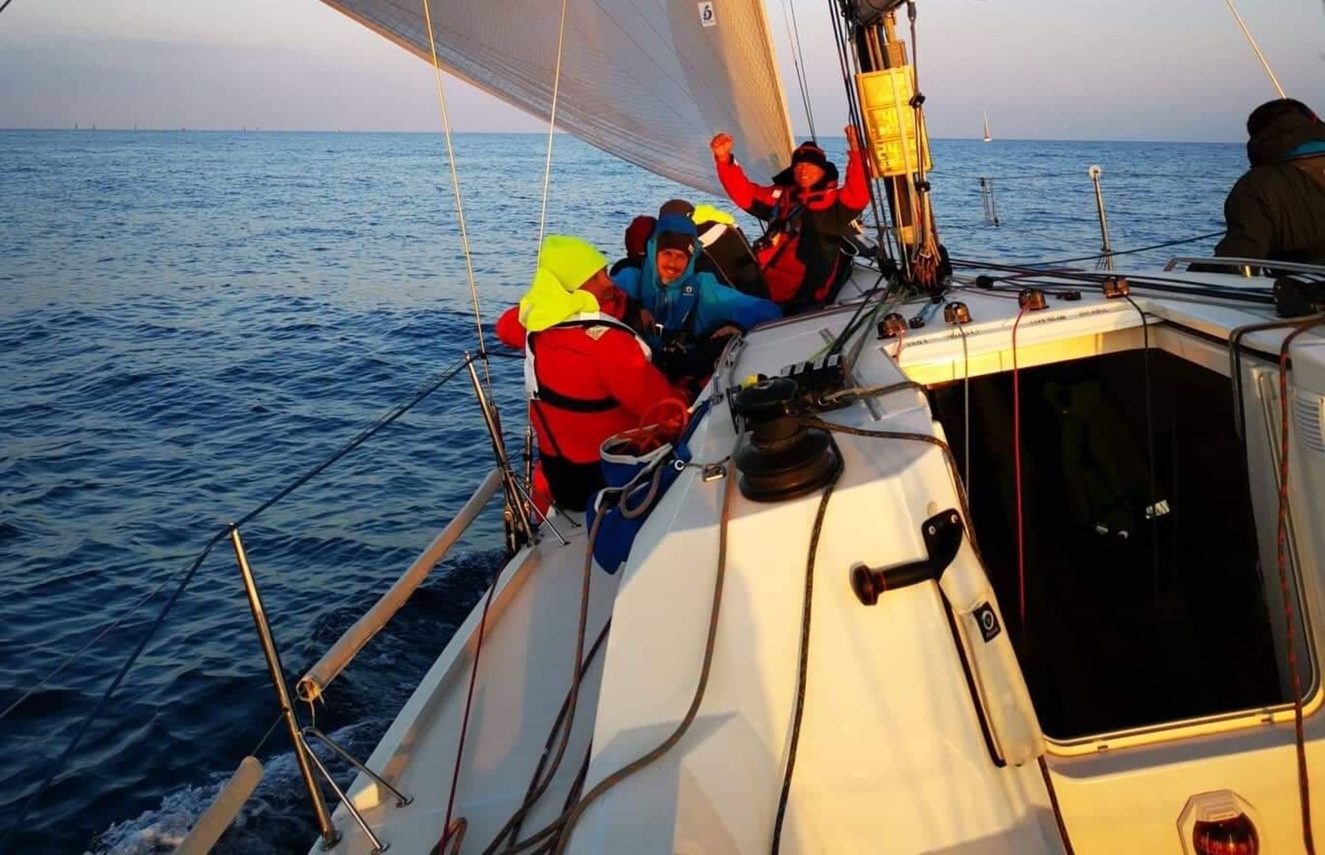 https://media.insailing.com/event/sun-fast-3/image_1565698645527.jpg