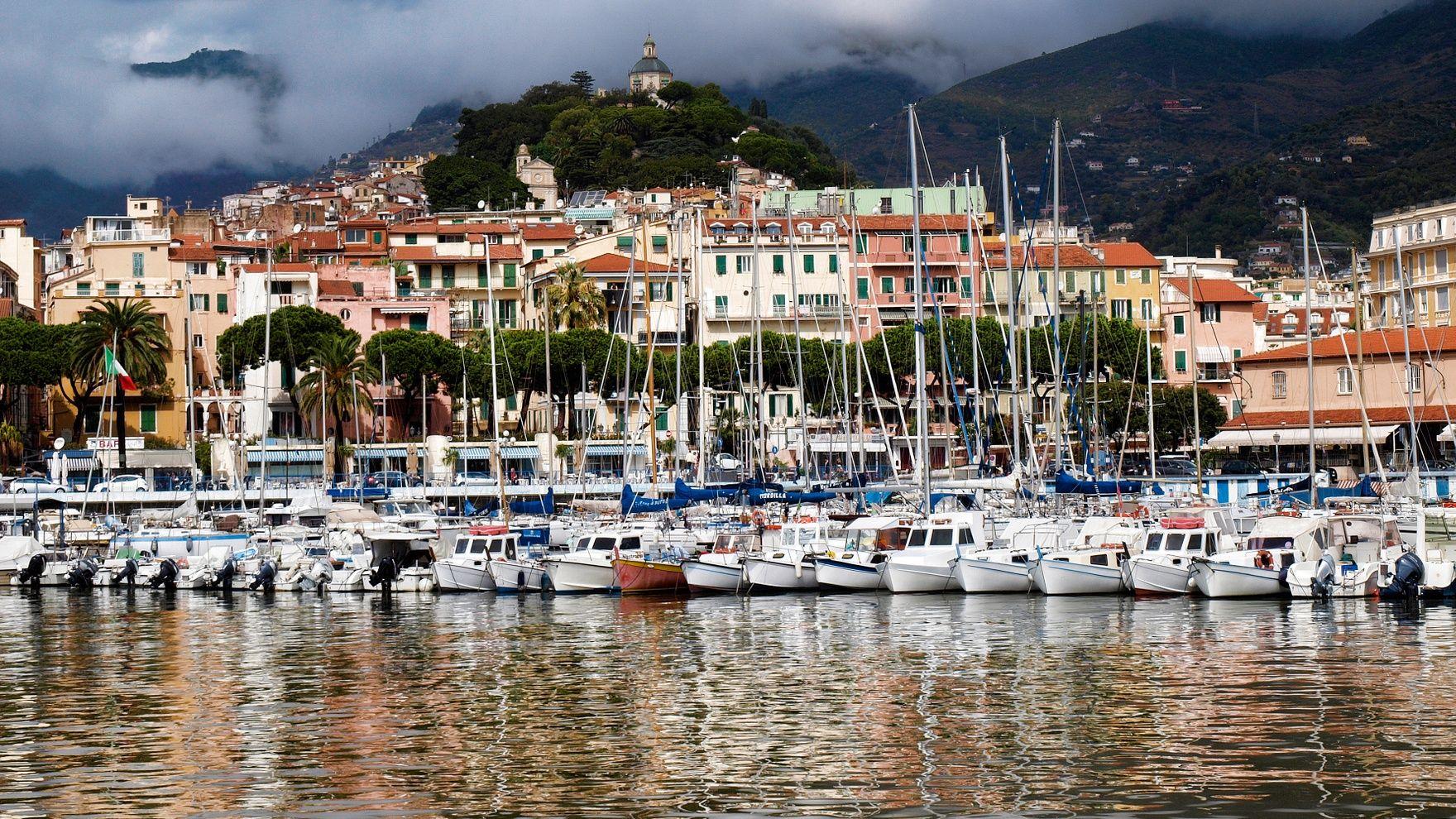 Mile building: Naples— San Remo