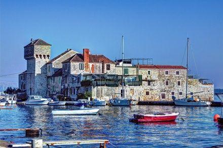 https://media.insailing.com/event/uchebnyy-perehod-kashtela----neapol/image_1575274951114.jpg