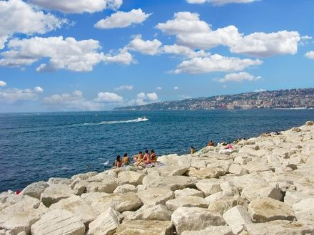 https://media.insailing.com/event/uchebnyy-perehod-kashtela----neapol/image_1575274951121.jpg